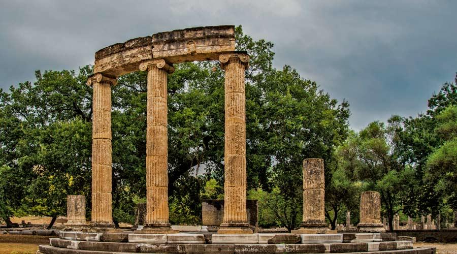 Grecia y sus monumentos como la Antigua Olimpia